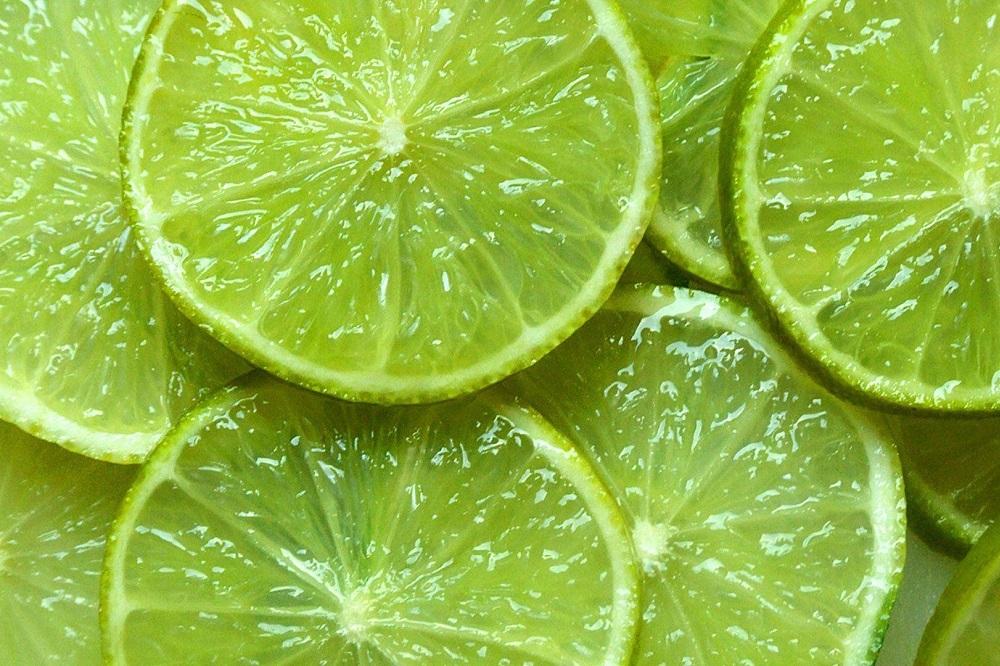 13 raisons pour lesquelles vous devriez utiliser du citron dans votre routine beauté