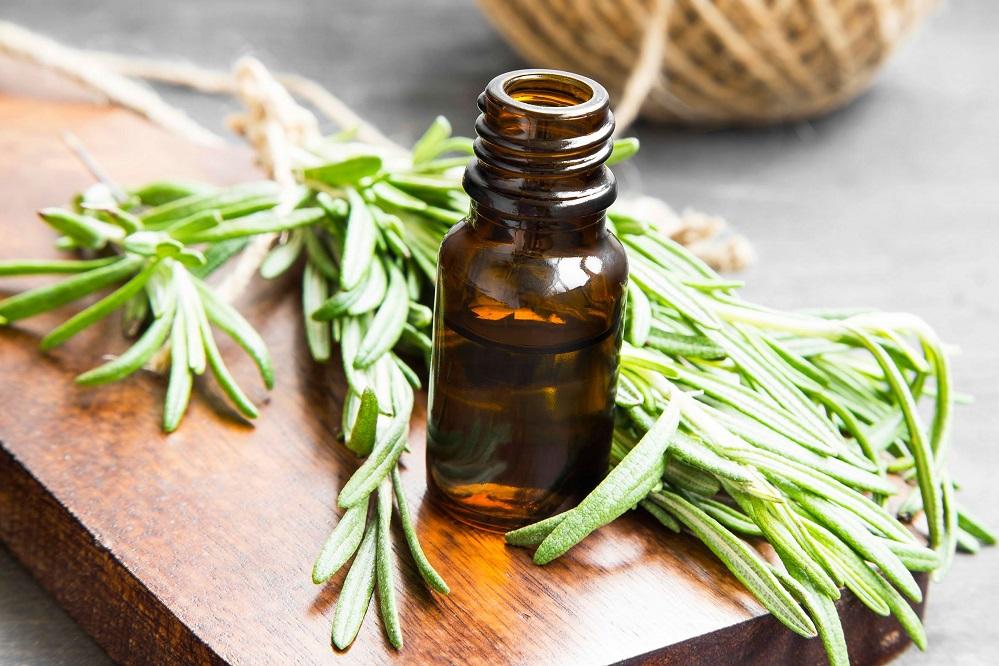 6 remèdes efficaces contre l'acné du menton