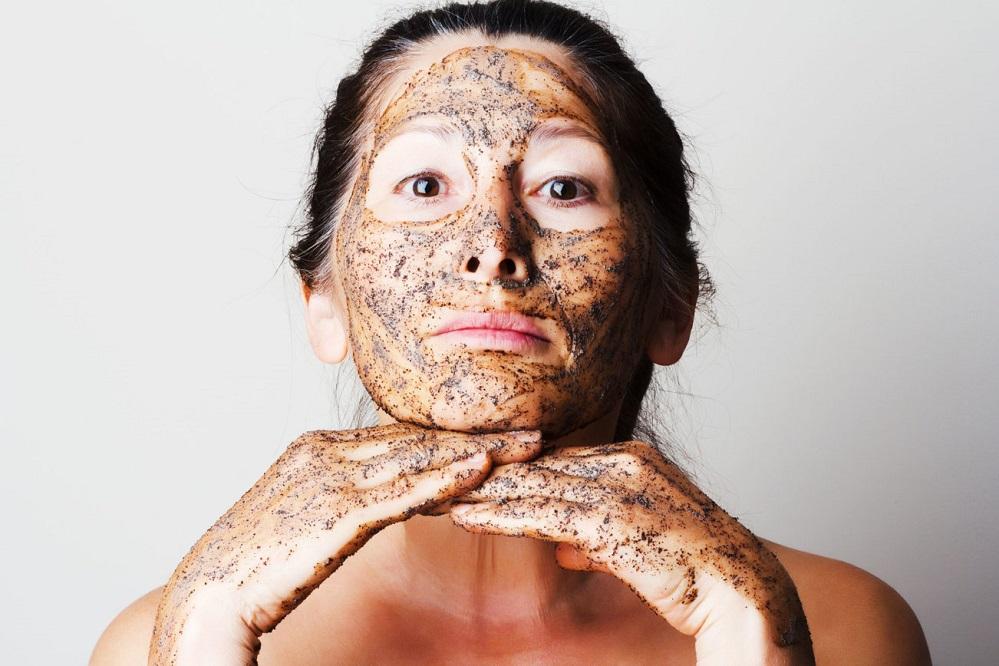 5 gommages DIY contre l'acné