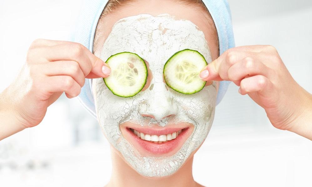 20 recettes de masque hydratant pour le visage DIY que vous devez absolument essayer