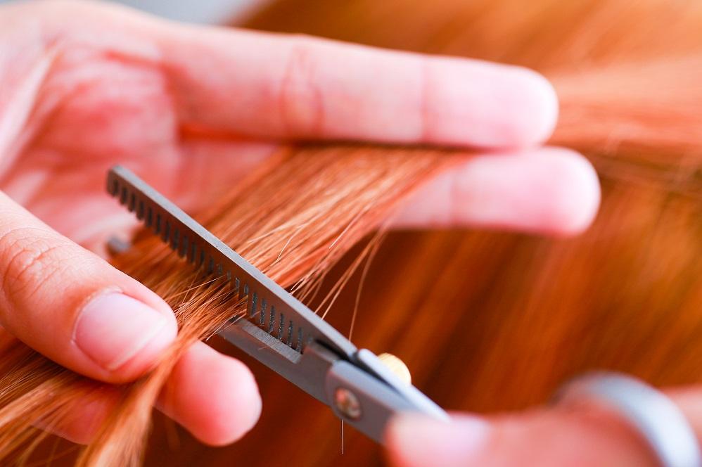 7 raisons pour lesquelles vos cheveux sont secs et cassants