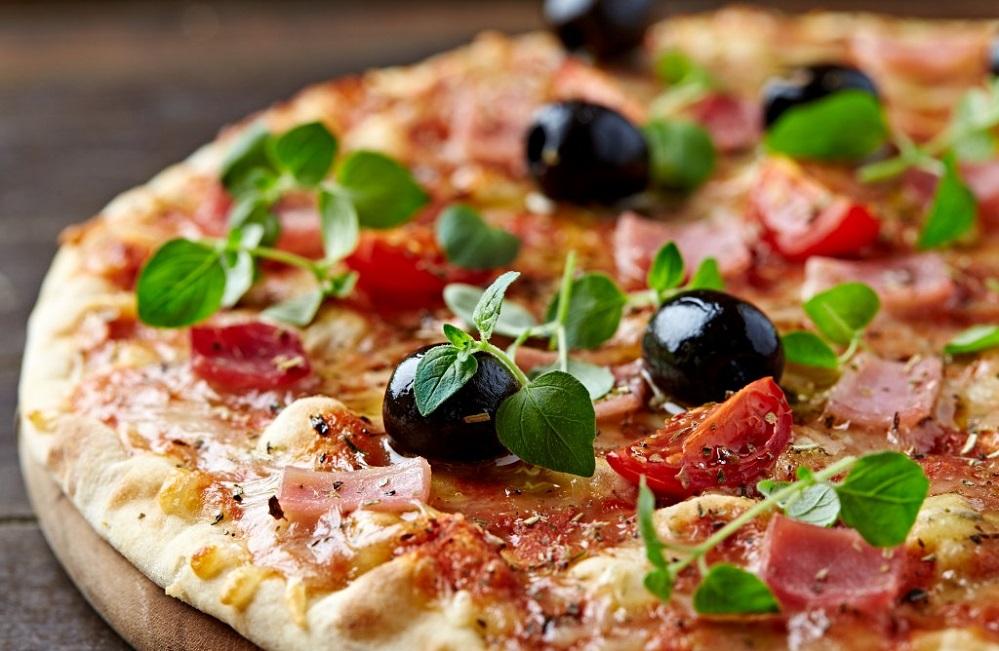 La pizza cause-t-elle l'acné ?