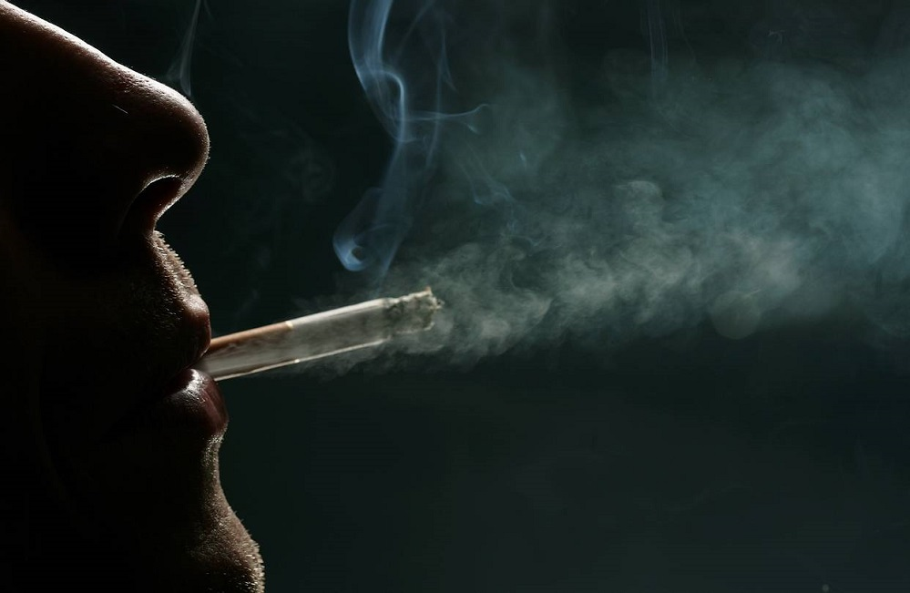 Le tabagisme cause-t-il l'acné ?
