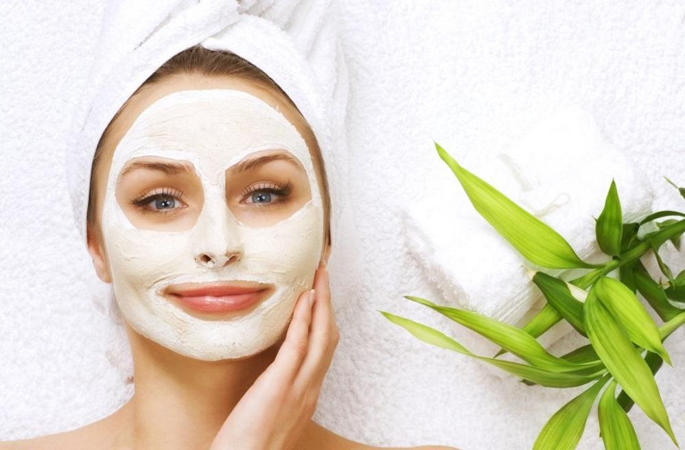 4 recettes DIY de masque visage pour raffermir et resserrer la peau