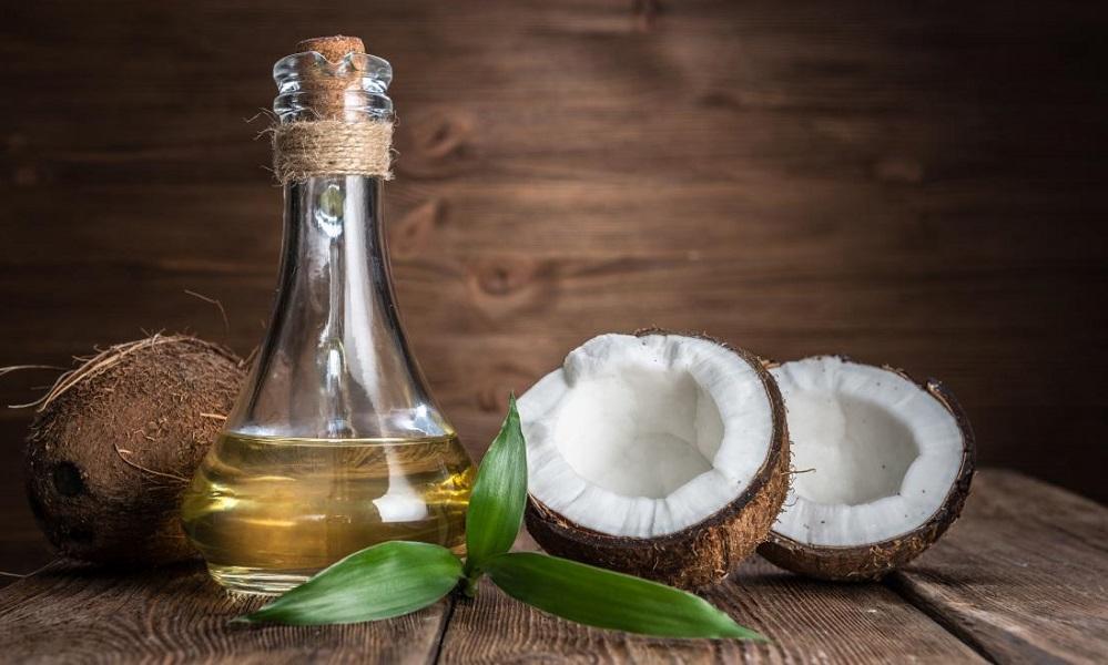 Les avantages surprenants de l'huile de coco pour la gestion du poids et une peau saine