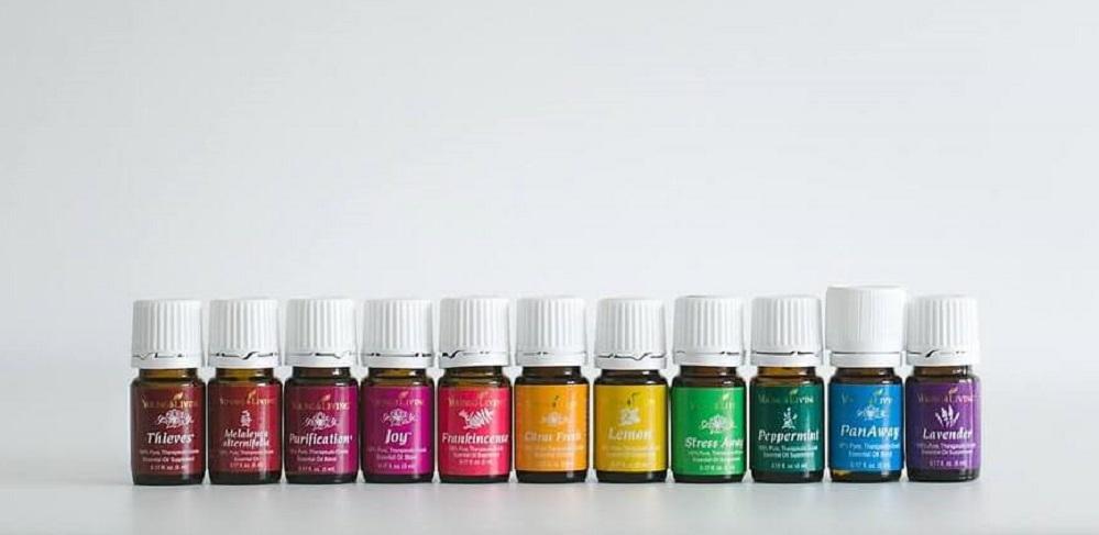 Les 5 meilleures huiles essentielles pour la rosacée – Avis & meilleurs choix