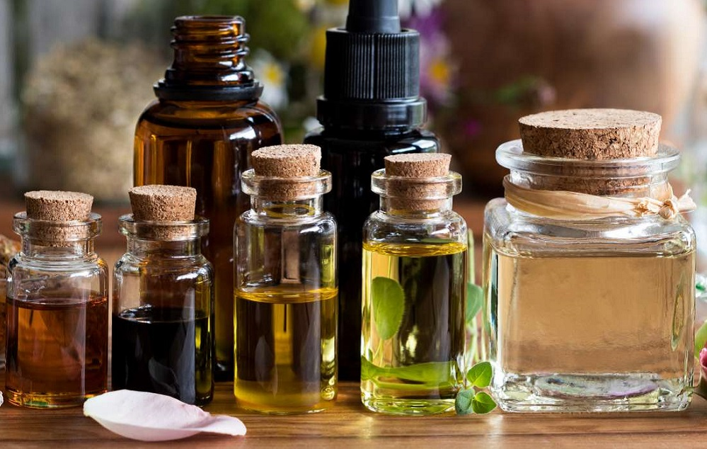 Les meilleures huiles essentielles pour les cicatrices