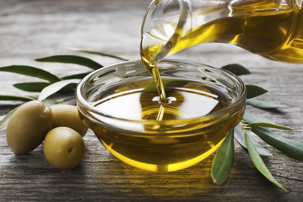 L'huile d'olive cause-t-elle l'acné ?