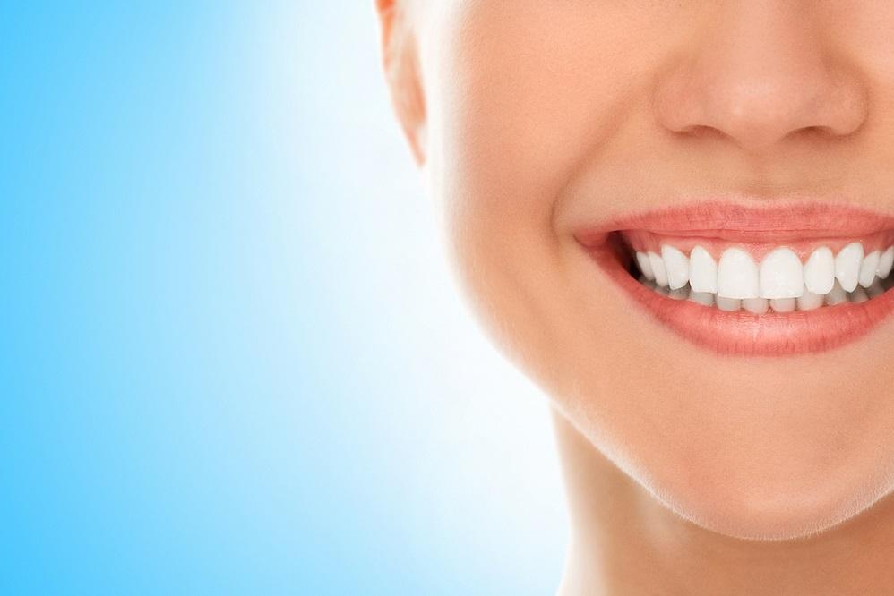 Vitamines et minéraux pour renforcer les dents et les gencives