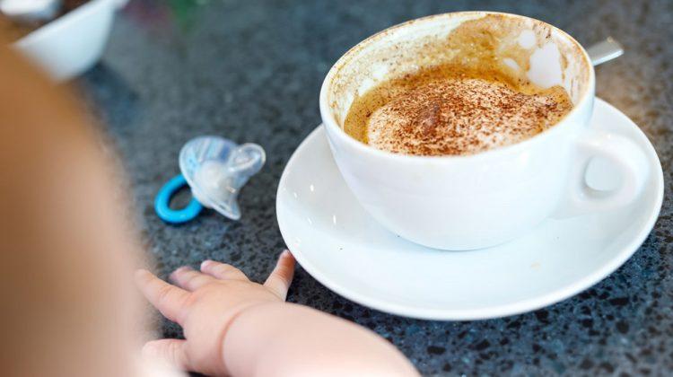 Caféine pendant l'allaitement : quelle quantité pouvez-vous boire en toute sécurité ?