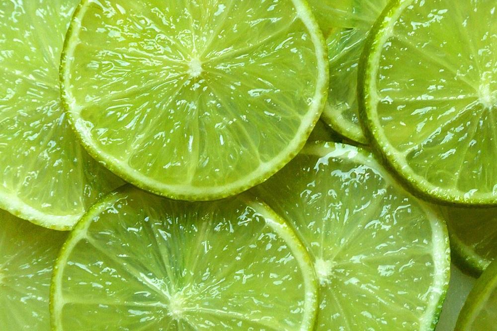 Carence en vitamine C : symptômes, causes, dangers et solutions