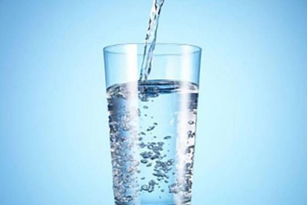 Eau hydrogénée : boisson miracle ou simple mode ?