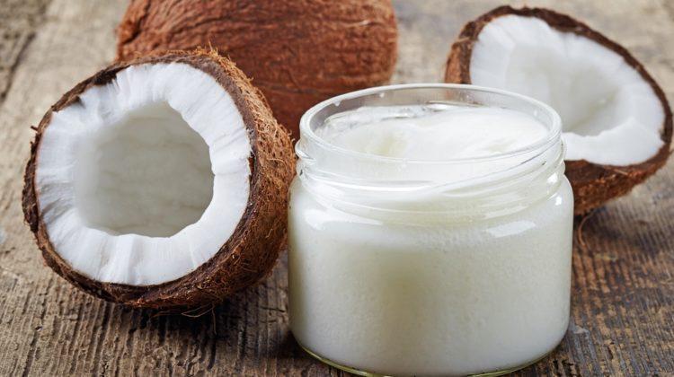 Pourquoi l'huile de coco est bonne pour vos dents