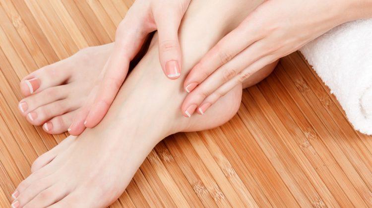 25 causes de picotements dans les mains et les pieds