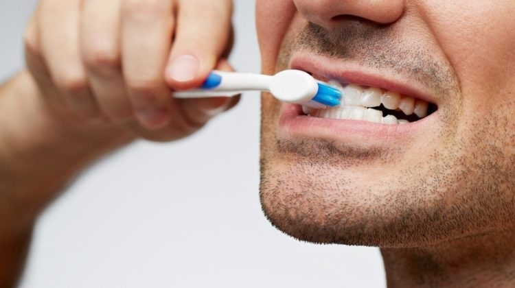 Comment se brosser les dents ?