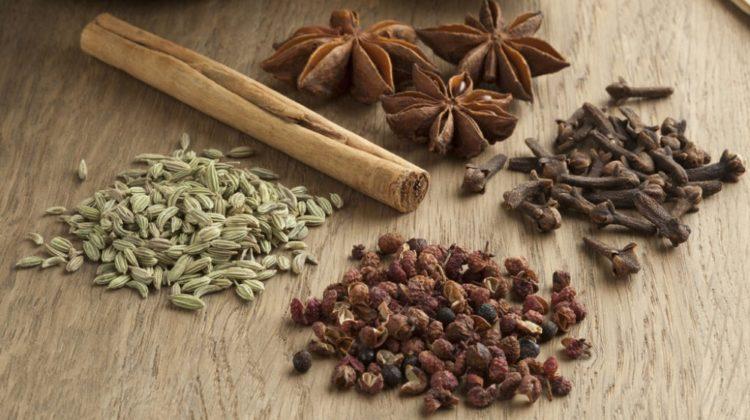 Poudre cinq épices chinoise : pour équilibrer les éléments