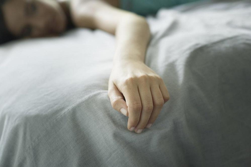 Pourquoi mes mains sont-elles engourdies au réveil ?