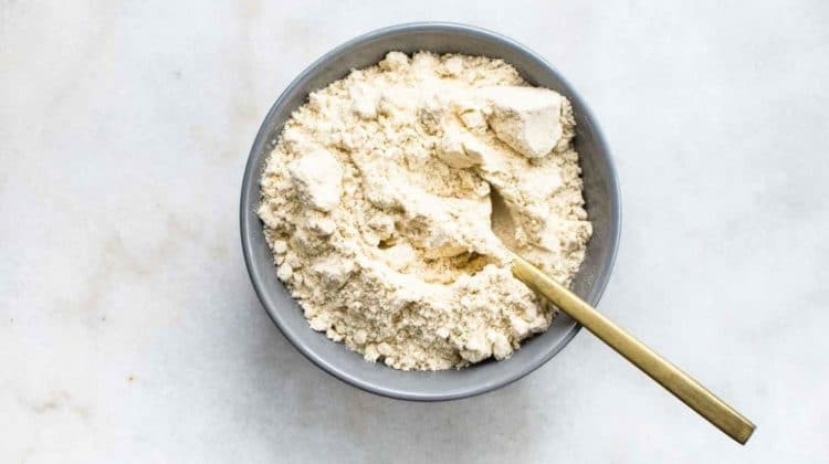 Bienfaits de la farine de noix de coco sur la santé (+ valeur nutritive)