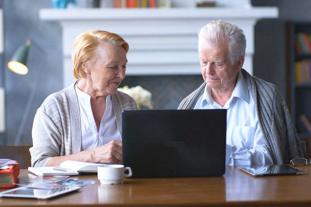 Les 5 meilleurs purificateurs d'air pour les personnes âgées