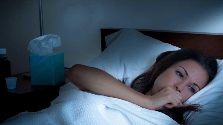 Pourquoi votre toux s'aggrave-t-elle la nuit ?